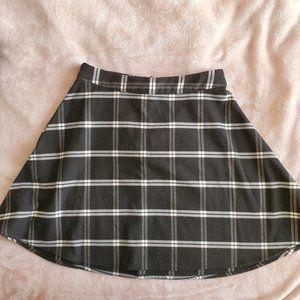 Old Navy Black n white Plaid Flannel Circle Skirt
